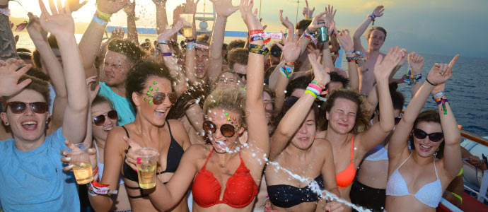 pool party luxury island events